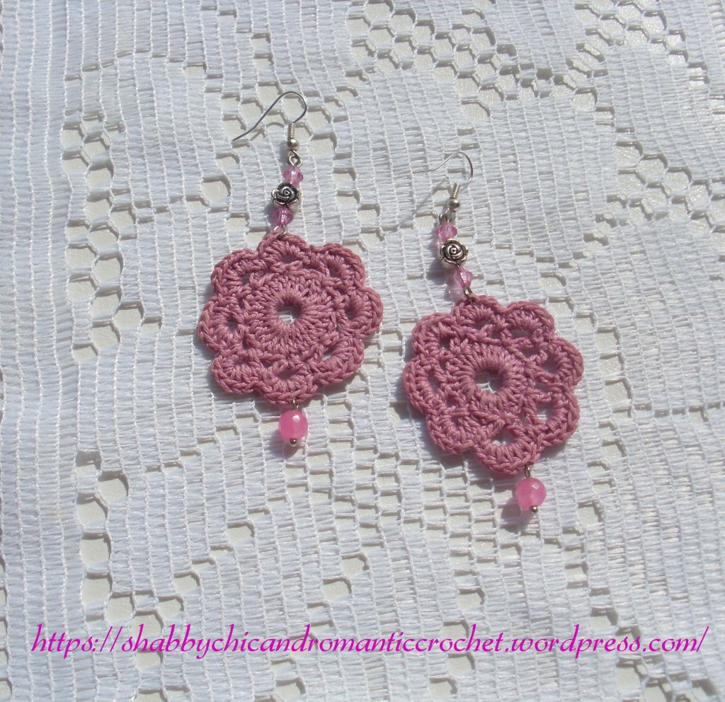 old-rose crochet earrings - orecchini all'uncinetto rosa antico